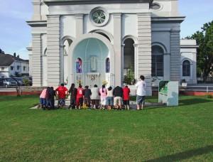 Przed kościołem - Georgetown, Malezja